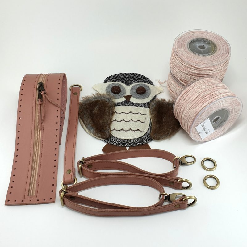 Pink Owl backpack kit with yarn by Younique Lab n